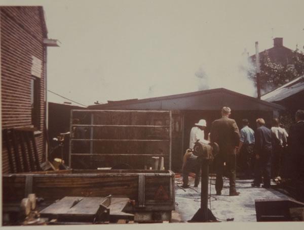 Oprichting EBO van Weel in 1963 grenzend aan woonhuis