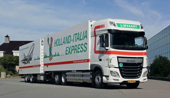 GeisoGeisoleerde vrachtwagencombinatie voor Lievaart Transport - DAF XF Truck