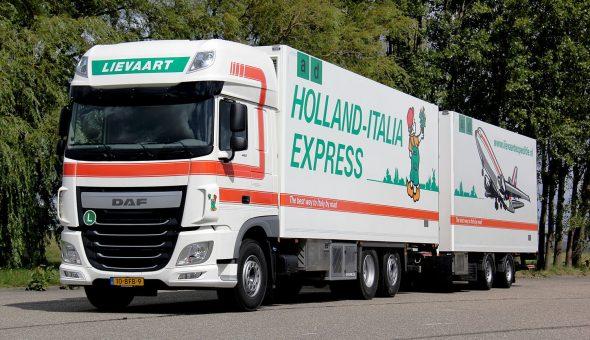 Geisoleerde vrachtwagencombinatie voor Lievaart Transport - DAF XF Truck