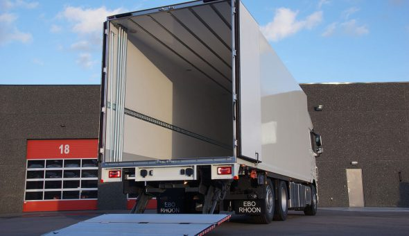 Isotherm trailers met Pacton oplegger koelvries compartiment