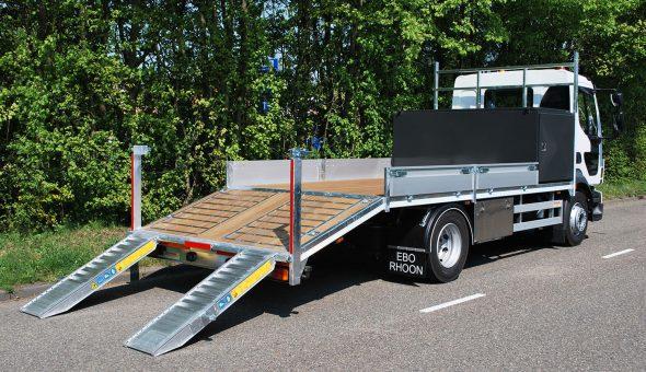 MAN Truck oprijwagen en open laadbak