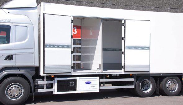 Specialbouw carrosserie met tussenschot en compartimenten op Scania opgebouwd