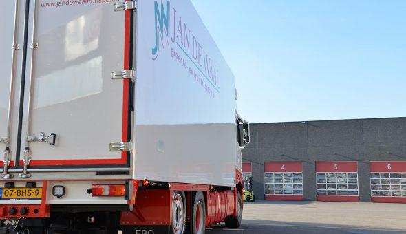 Geconditioneerde carrosserie opgebouwd op Mercedes Actros motorwagen