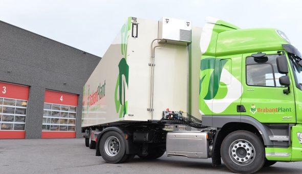Geconditioneerde oplegger op pacton trailer voor bloementransport (Brabant Plant)