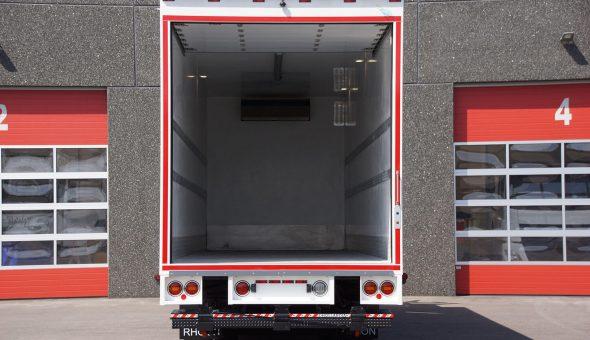 Isotherm truck opbouw voor groente en fruit transport van der Mey Barendrecht