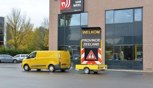 Tekstwagen VW 1350 HB voor de Provincie Zeeland uitgevoerd met Swarco LED-display