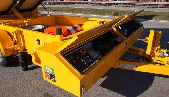 Actiewagen met splitspijlenfunctie voor Heijmans wegen uitgevoerd met zonne-panelen