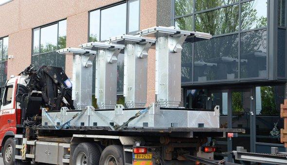 Mobiele Bermdrip signalisatie geleverd aan van Deuveren Traffic Tekstkar