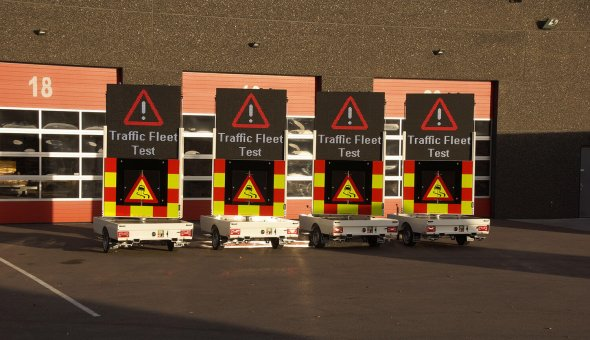 Tekstkar op zonne-energie voor Noorse Dealer met energiezuinig LED-display
