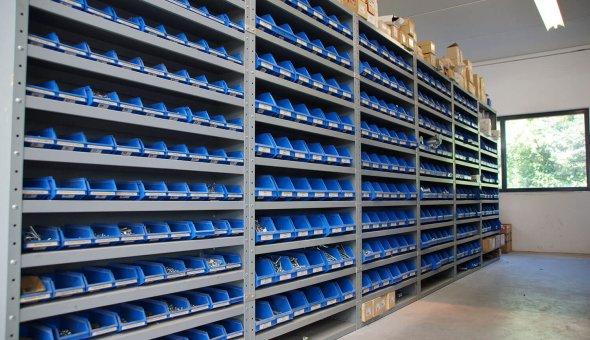 Carrosserie onderdelen magazijn Rotterdam