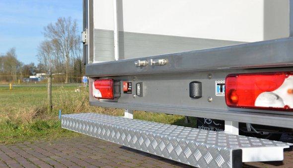 Koelopbouw Mercedes Sprinter met multitemp en zijdeur. Voorzien van een Thermoking koelmachines
