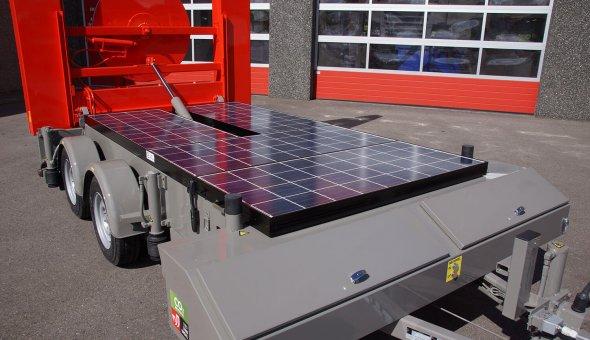 Loxam breidt portfolio uit met Solar Actiewagens en LED splitspijlenpaneel