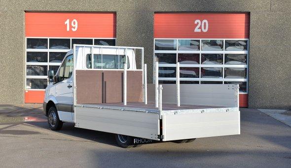 Open laadbak gebouwd op Iveco met open carrosserie en aluminium zijboorden