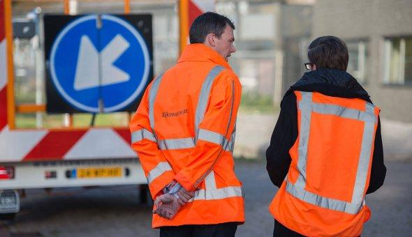 Road-Works-Warning-(RWW)-proef-succesvol-op-de-A16-met-Rijkswaterstaat,-Swarco-en-EBO-van-Weel