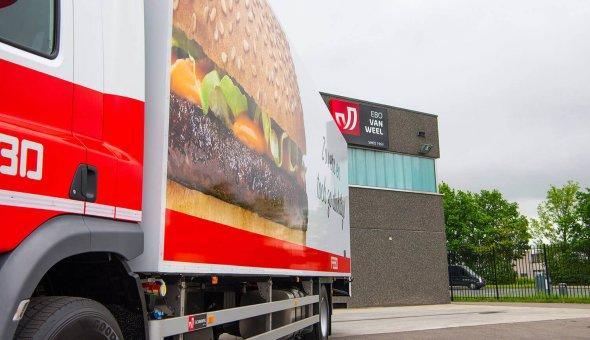 Nieuwe Isotherm opbouw voor Inter Fastfood opgebouwd op een DAF LF voor de levering van FEBO vestigingen