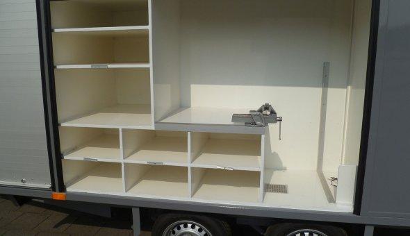 Speciaalbouw aanhangwagen gesloten en voorzien van plywood
