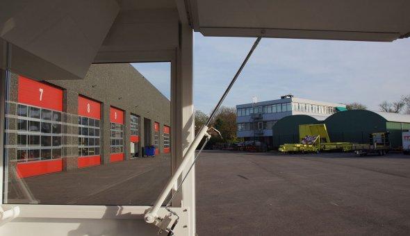 Maatwerk gesloten aanhangwagen voorzien van movers en hydraulische verkoop luiken voor de firma Kruythof aardappelen