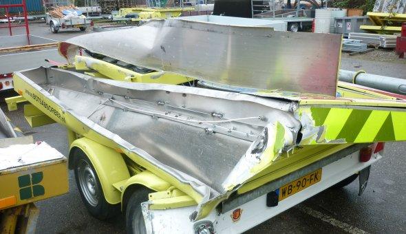 Schade en reparatie van actiewagens, tekstwagens en botsabsorbers