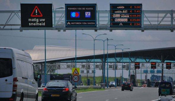 Permanente bermdrip type 3C op N62 bij de Westerscheldetunnel aangestuurd met Traffic Fleet