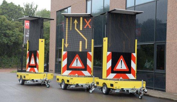 30x full-colour tekstwagen voor Fero Signalisatie met LED informatie paneel