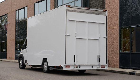 Gesloten laadbak plywood op Fiat Ducato voor Breewel Transport met Mitsubishi koelmachine
