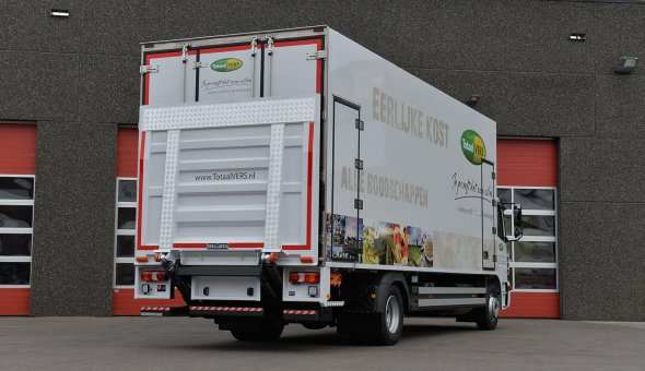 2x isotherm rigid built on Mercedes Antos trcuk body for Totaal Vers B.V