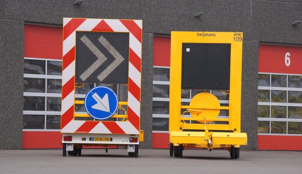 Arrow trailer equiped with chevron LED-display