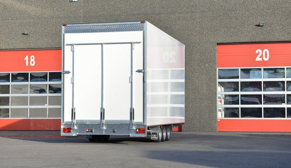 Box van trailer built for transport of flowers with Load-lok rails (4)