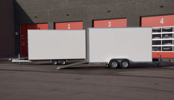 Box van trailer built for transport of flowers with Load-lok rails (7)