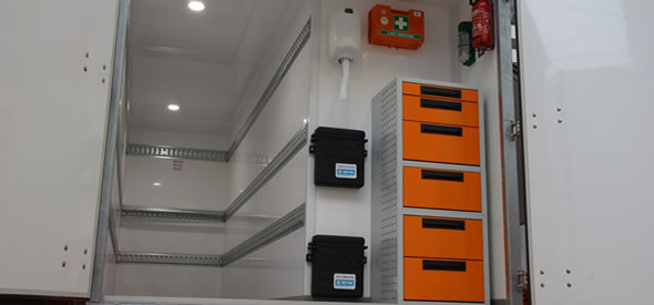 Box van trailer equiped with a cooling machine coolunit to make a isotherm trailer