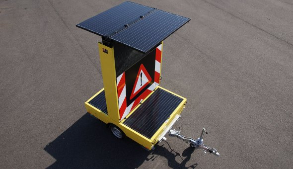 CO2 neutral VMS-trailer equiped with solar energy and controlled via Traffic Fleet