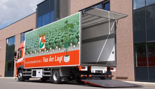 Conditioned truck body with heating for transportation of flowers