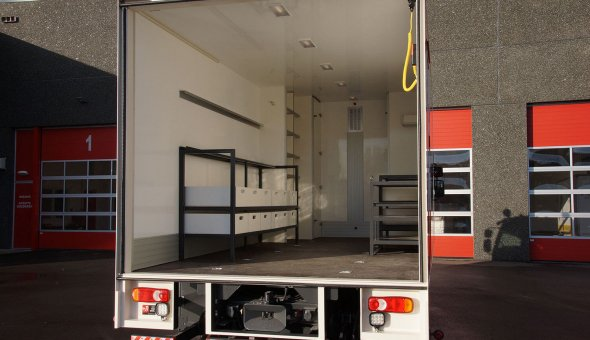 Dry freight box body built on Volvo truck with custom made interieur