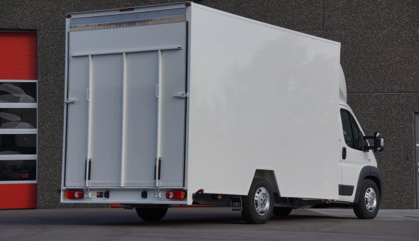 Dry freight truck body built from plywood panels on Fiat Ducato
