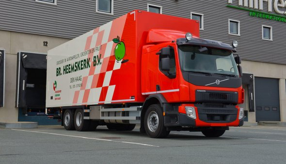 Isotherm fruits and vegatables truck body built on Volvo FE