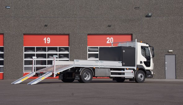 Open truck body with aluminium sides and hardwood