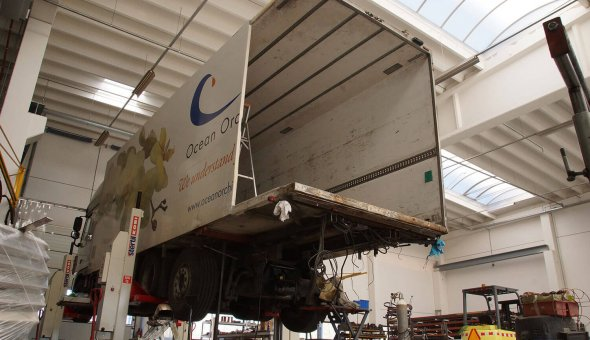 Polyster repair to an isotherm trailer truck body