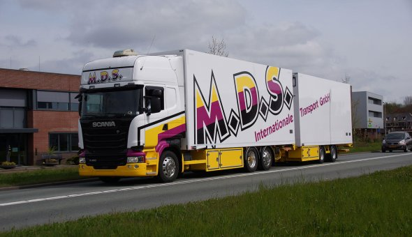 Refrigerated truck combination built on DAF truck for Flower transport MDS Deutschland
