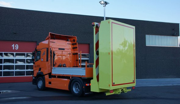 Truck mounted attenuator 100K (TMA) with LED-arrow for Nienhuis Wegbeveiliging