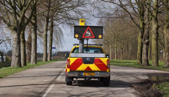 Vehicle mounted VMS with LED-display to ensure safety of road supervisors during incident management