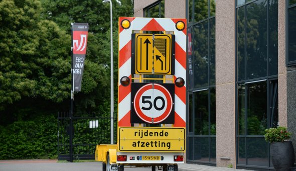 Arnhem Diamant chooses for Traffic warning trailer