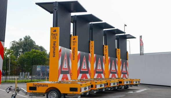 Heijmans Material management invests in ten solar VMS-trailors