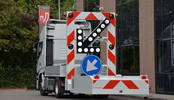 Truck mounted attenuator 100K with NCHRP-350 certificate action execution
